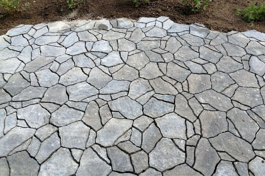 Pihan betonikiveysten materiaalit luoto-kivi